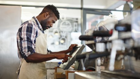 How scheduling software can save foodservice operators time