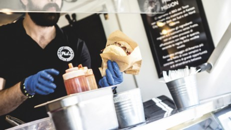 Food trucks, outdoor fairs or other festivities are a challenge for serving food outdoors
